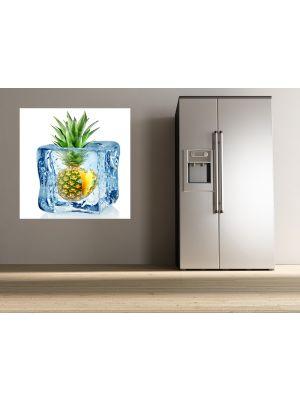 Foto behang Ijsblokje met ananas voorbeeld
